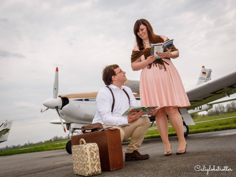 HOW To Take Travel Themed Engagement Pictures - California Globetrotter